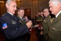 Vítězné družstvo armády ve střelbě zeSa vz.58 + Pi CZ 75 • Krajské vojenské vel